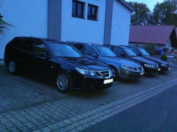Inicio de los bloggers, Saab 9-3 2011 y 3 x Aniversario de Saab 1997, 2002, 2007, uno de ellos no es mío.