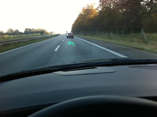 "Saab 9-5 ""Head-up-Display"", vorne 9-5 Sportkombi ""Bio Power"""