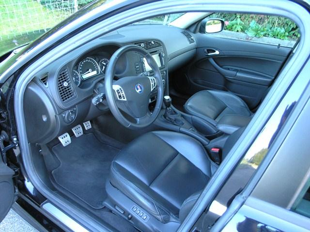 Saab 9-3 V6 XWD Innenraum mit Hirsch Sportpedalen