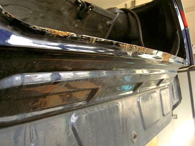 Saab 9000, rust at the rear under the rubber seal
