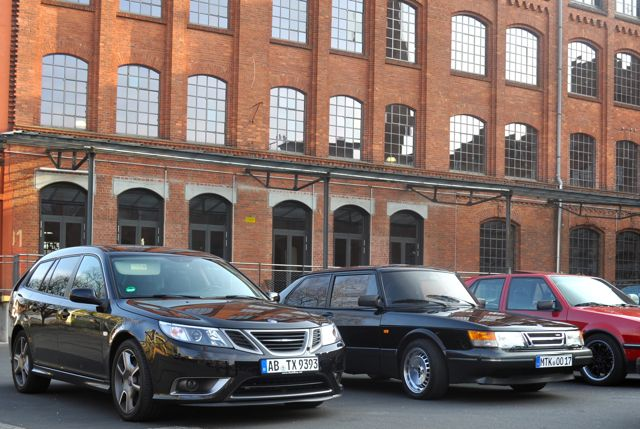 Black is back: Saab 900 und Saab Turbo X in der Klassikstadt