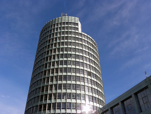Der Tower in Eschborn: Heimat der deutschen Niederlassung der Saab Parts AB