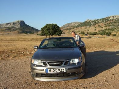 Saab 9-3 convertible with cool license plate. Photo Ralf