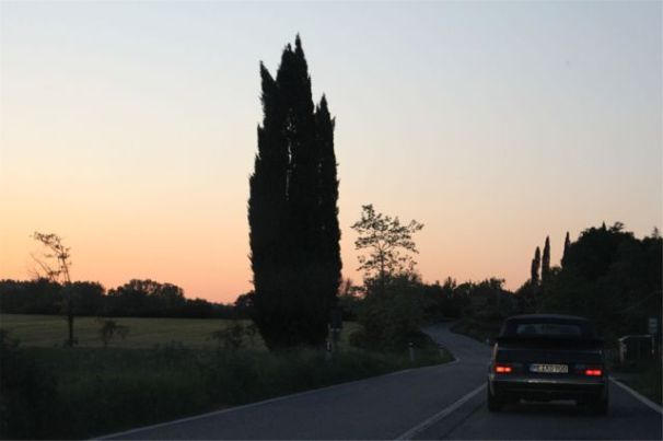 Saab 900 evening mood in Tuscany. Picture of Otto