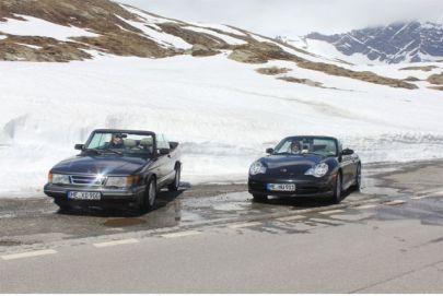Saab und Porsche unterwegs nach Italien. Bild von Otto