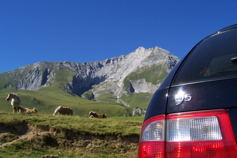 Saab 9-5 in den Haut-Pyrenees Foto von Mark