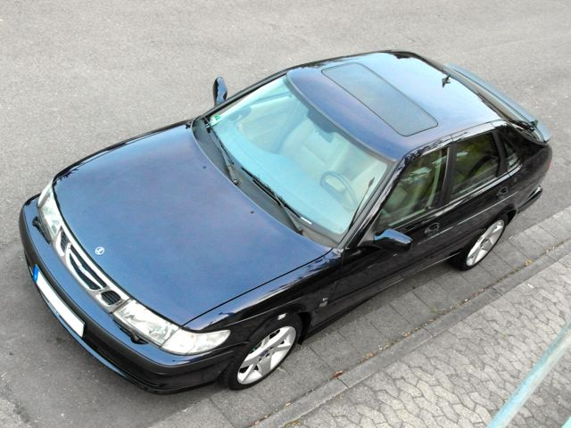 Saab 9-3 Anniversary with sunroof. Sold!