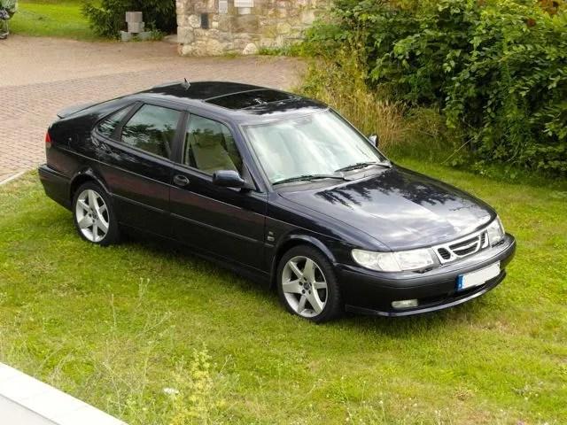 Saab 9-3 senaste serie med klassisk hatchback