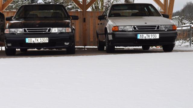 Winterschlaf: Saab 9000 eingeschneit