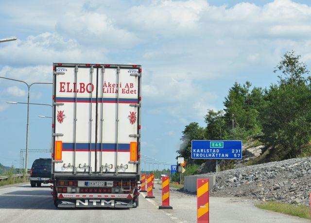 L'E45 verso Trollhattan 2010. Ancora come un cantiere con ingorghi.