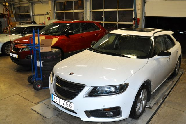 Saab 9-5 with Aero front aprons