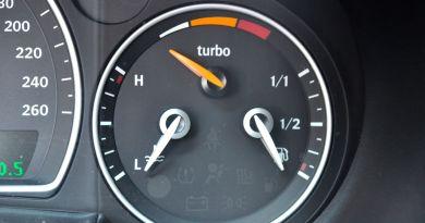 Saab Turbo X - reale solo con il display della pressione di sovralimentazione