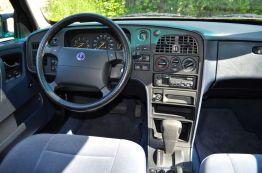 Saab 9000 CS, interior azul con factor de culto © 2104 saabblog.net