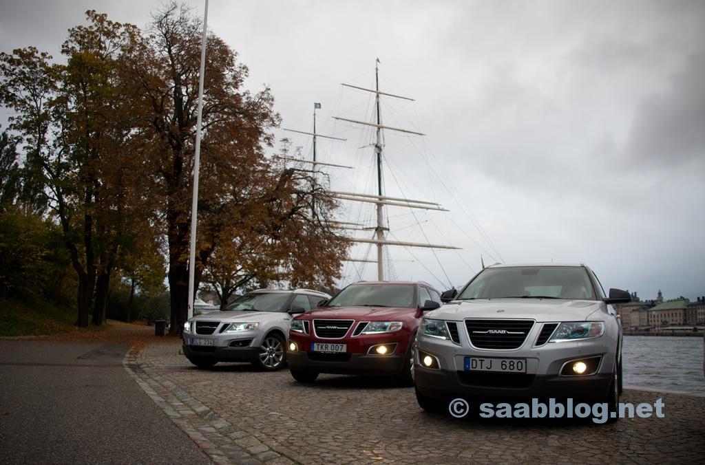 US-spec Aero MY11 #165, US-spec Aero MY11 #2 e EU-spec MY12 Premium #5 em Estocolmo