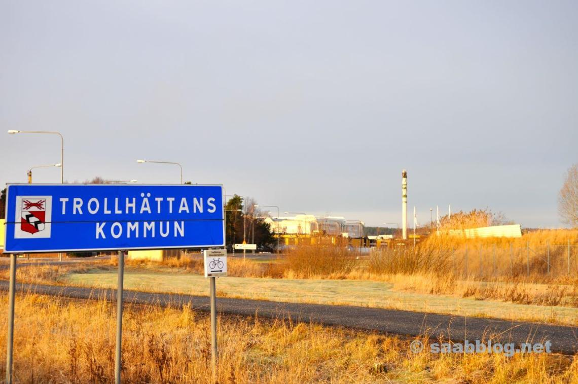 Entrada de Trollhattan - no fundo a planta de Saab