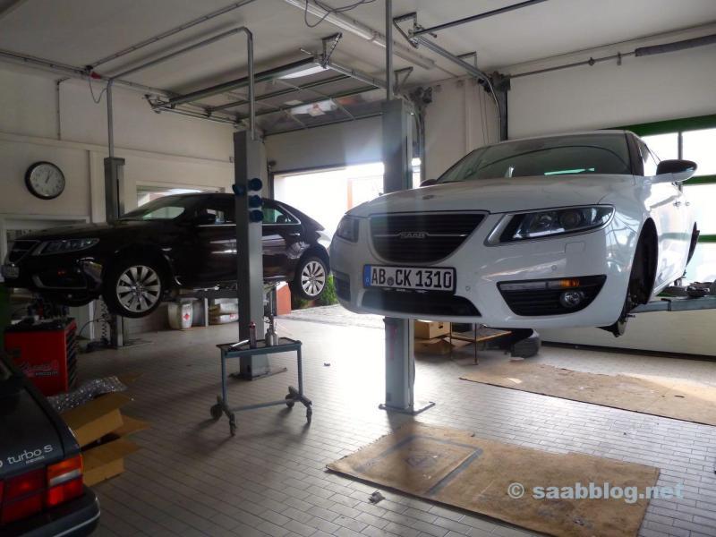 Saab 9-5 NG dans le centre de Saab à Bamberg