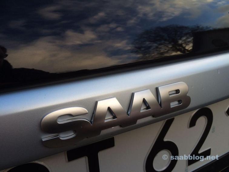 Saab Logo am Heck...