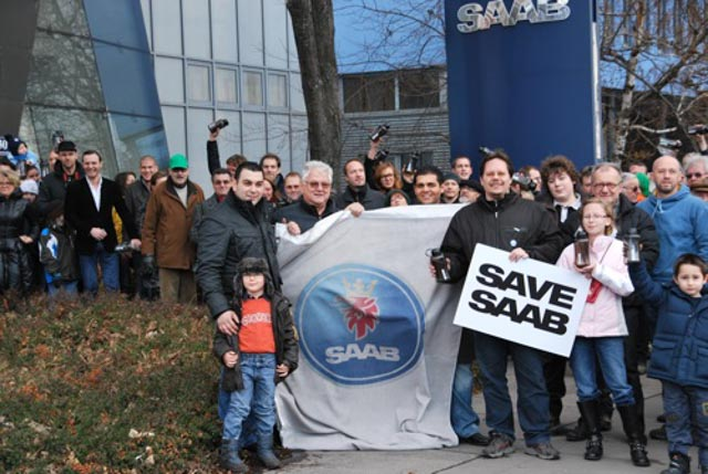 Austrian fans at SAAB Oberlaa in 2012. Mario Milincic in front left. © Saab-club Austria.