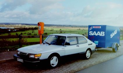 3. SAAB 900 Turbo 16S på språng