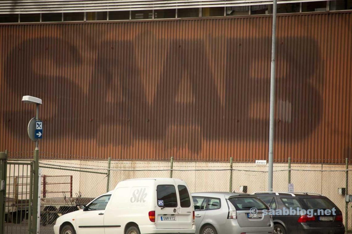Gloire passée sur la façade des installations d'Orio à Nykoping