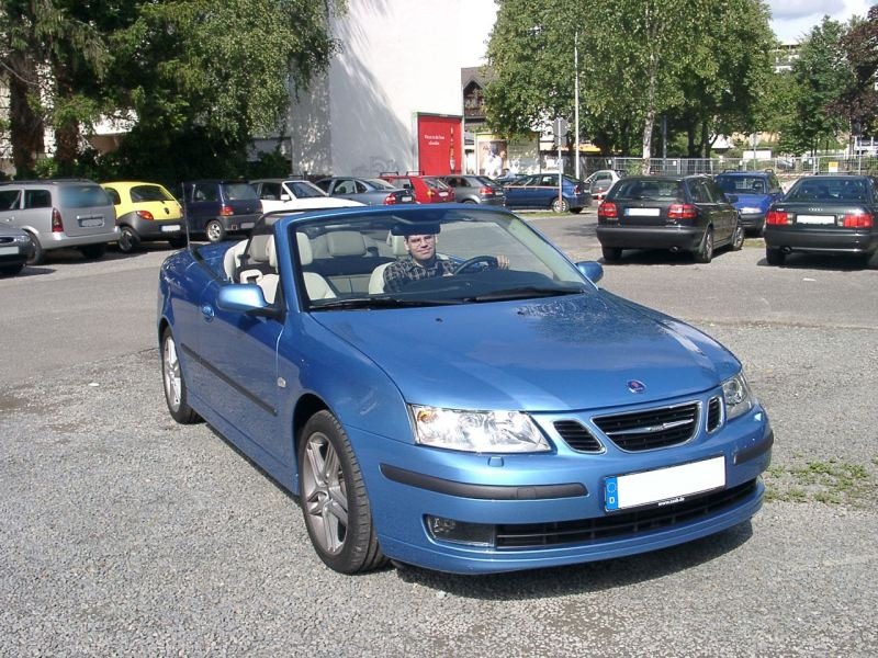 Dies ist die Aniversary Edition, die mich mein Autoherz an die Marke Saab verlieren ließ.