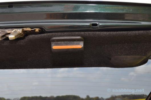 Der Griff ist bekannt. Original Saab 9000.