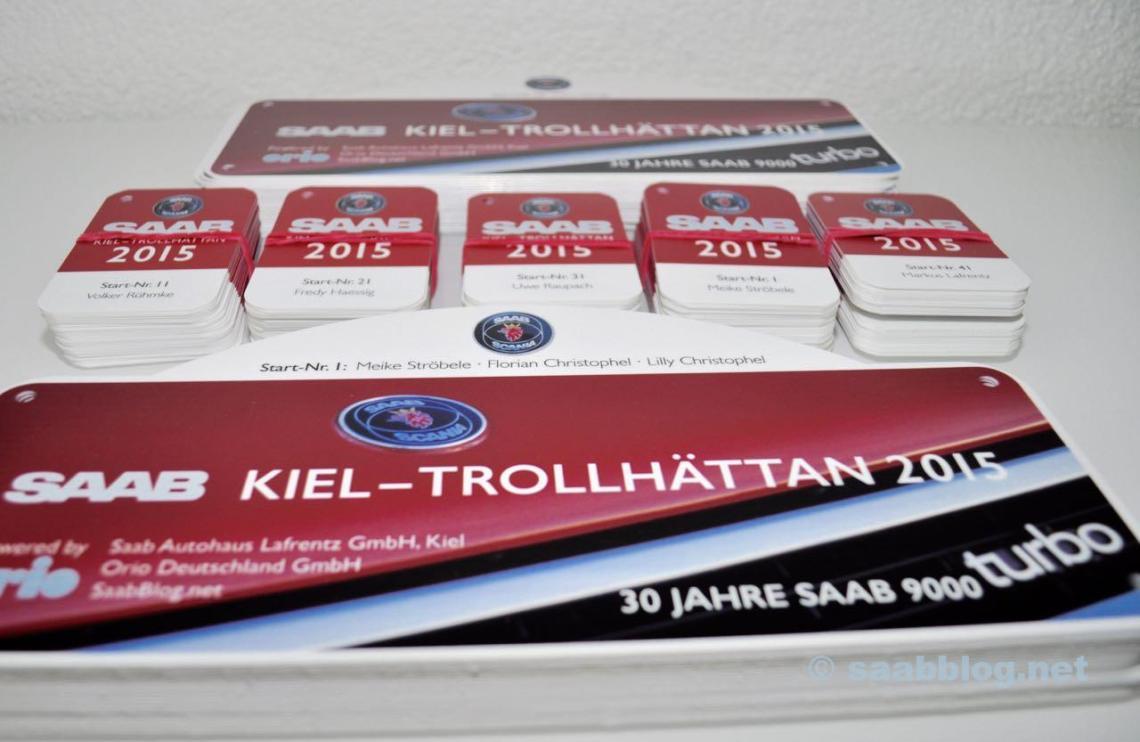 Saab Rallye und Nameplates fuer die Tour.