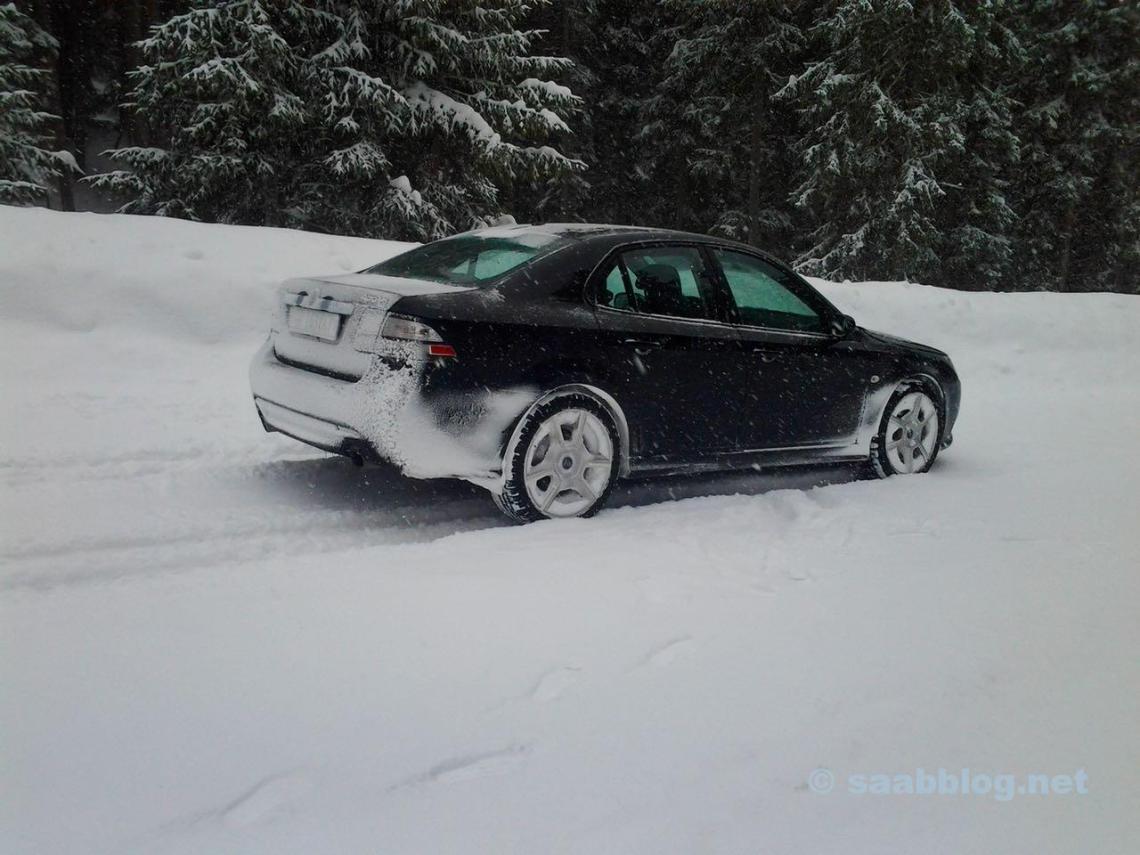 Alegria pura! Saab 9-3 XWD de Andrè em Davos na neve