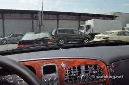 2 x Saab 9000 su strada, taxi Saab 9-5 NG.