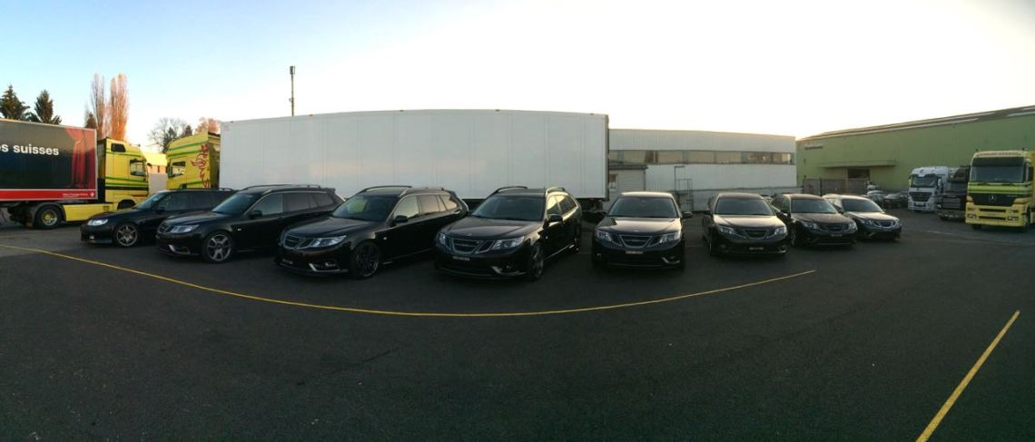 Viele schwarze Saabs. Jede Menge Turbo X