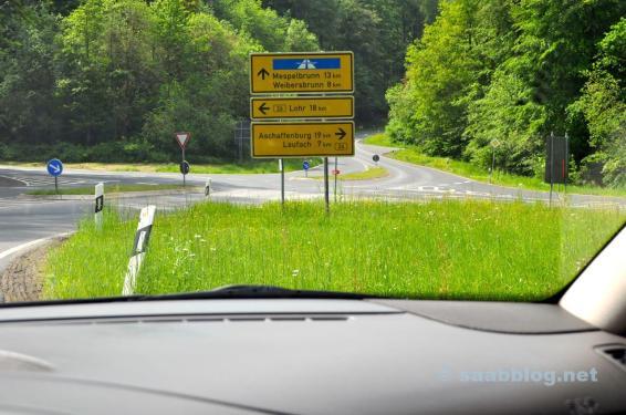 Autobahn? Lohr? Aschaffenburg? Egal. Saab fahren macht Spaß.