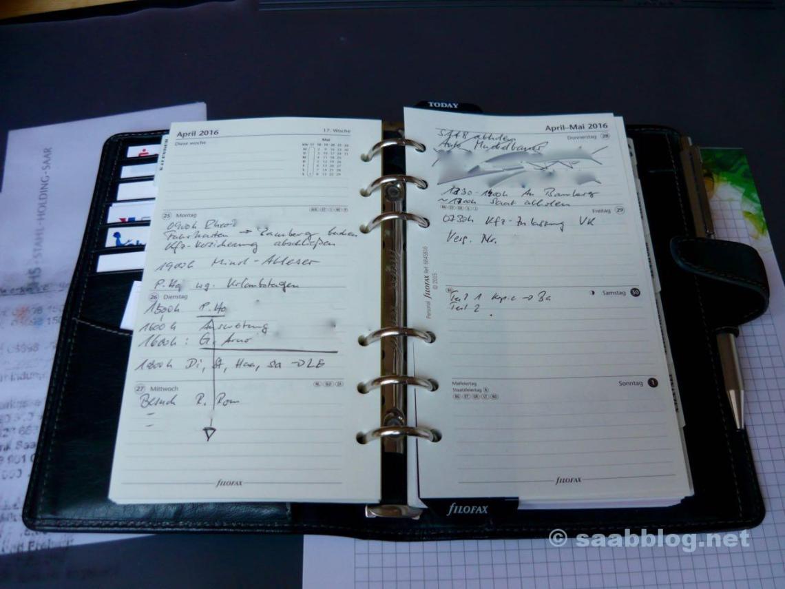 """Terminkalender, die SAAB-Fahrern gefallen. Montag bis Mittwoch arbeiten, Donnerstag: """"neuen"""" SAAB abholen, Freitags: Zulassungsstelle, danach: Wochenende."""