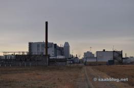 Fábrica de Saab en el sol de la mañana.