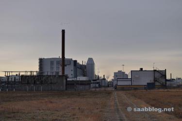 Saab-fabriek in de ochtendzon.