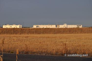 Wintersonne und die Saab Fabrik.