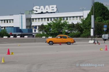 O trabalho como pano de fundo, não mais bandeiras Saab.