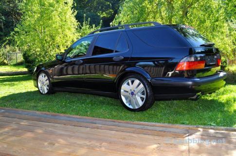 ... então o Saab tem um visual moderno.