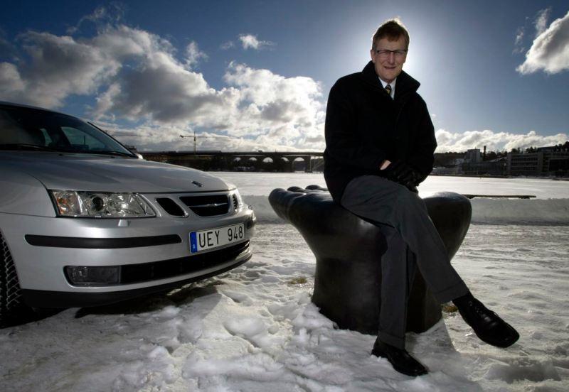 Jan-Åke Jonsson und Saab 9-3. Bild: Saab Automobile AB