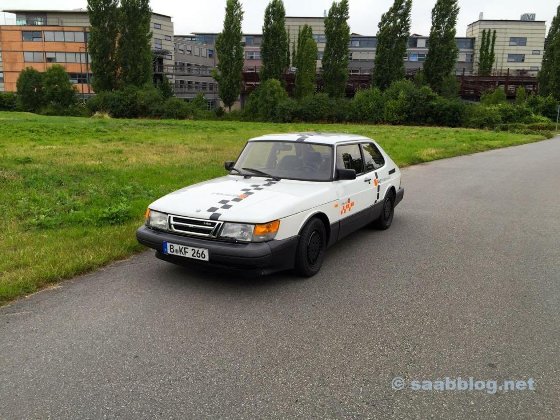 Mudado. Saab 900 no estado atual.