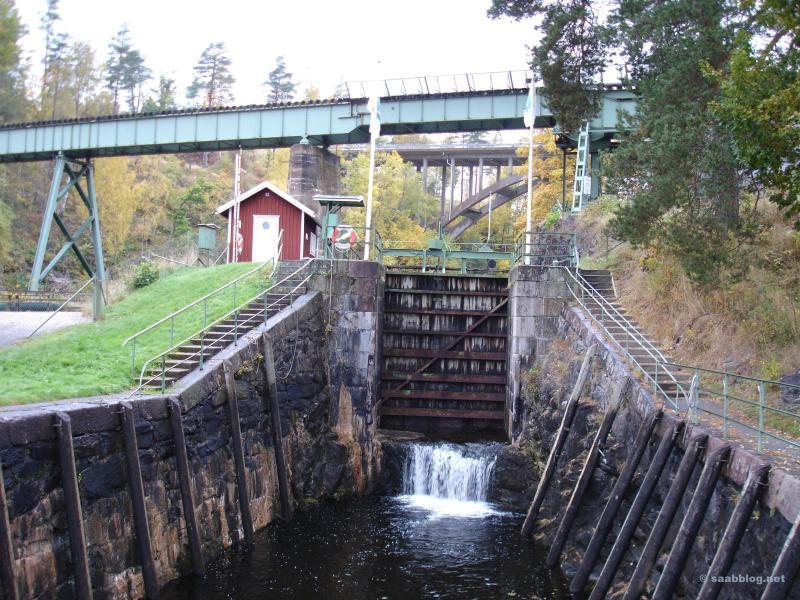 An der unteren Schleuse der Trogbrücke von Håverud
