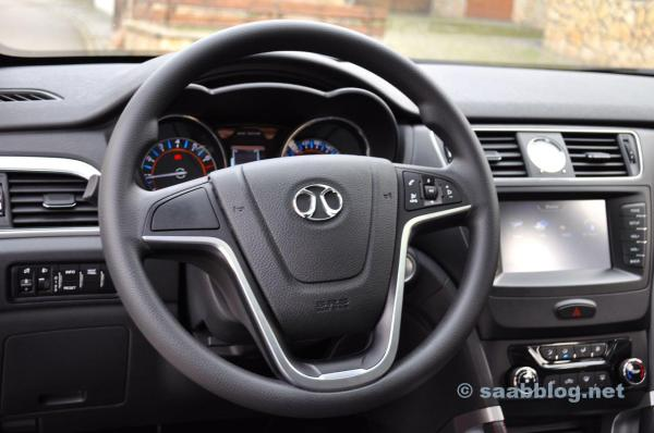 Steering wheel in the Opel style