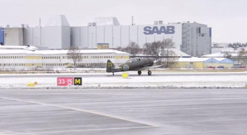 North American SK vor dem Saab Werk. Foto Credit: TTELA
