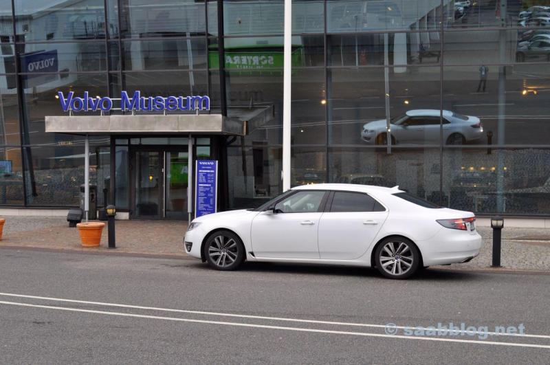 Hisingen in front of the Volvo Museum. A Saab in Volvo country.