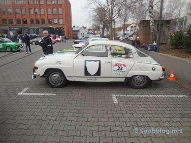 Um Saab 96 V4 está na lista de participantes.