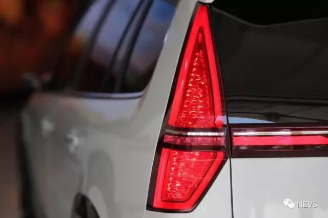 9-3X taillights em detalhe. Imagem: NEVS