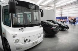 Nuevo Long Ma Minibus y NEVS EV. Crédito de la foto: NEVS