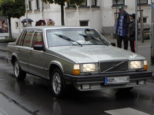 """¡Volvo todavía era Volvo! Anton Schneider en el 1982er Volvo 760 LGE. Por qué este coche se llamaba """"ladrillo"""" probablemente no necesita explicación."""