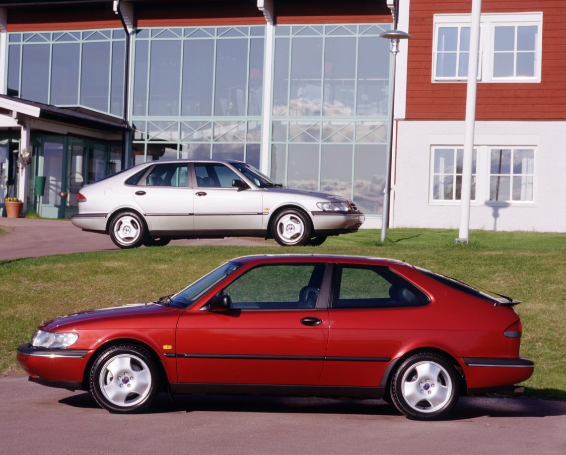 Saab 900 II Coupe e Sedan
