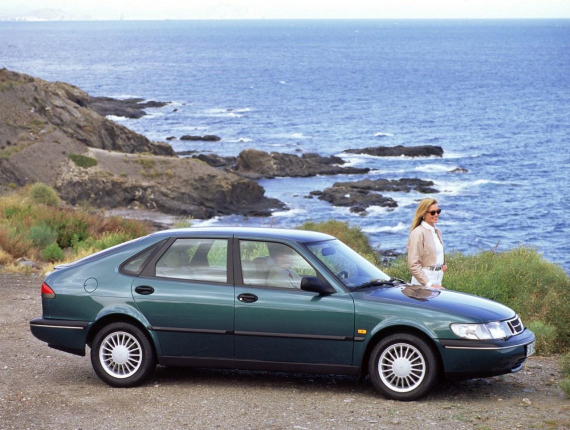 O Saab 900 II