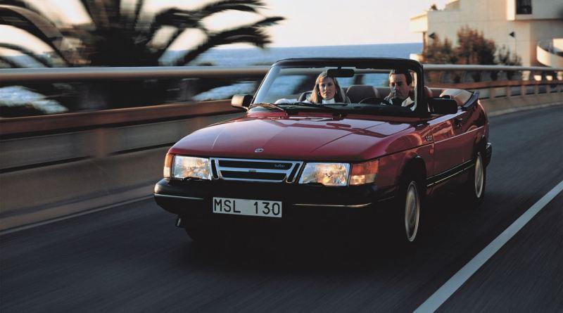Zomer! Saab 900 Cabriolet op weg naar het zuiden